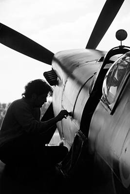 Photograph - Spitfire Mechanic by Robert Phelan