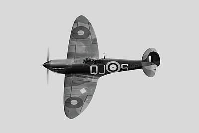 Photograph - Spitfire Mk 1 R6596 Qj-s Bw Version by Gary Eason