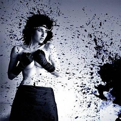 Pyrography Digital Art - Splash by Katerina Lomonosov