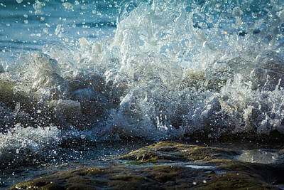 Photograph - Splashing Wave by Randy Bayne
