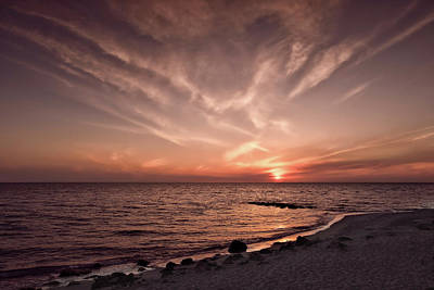 Southwest Florida Sunset Photograph - Splendid Florida Gulf Coast Sunset  -  Sunsetgulfcoastfl167514 by Frank J Benz
