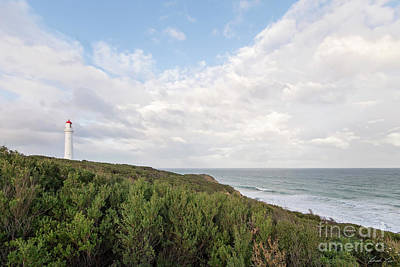 Photograph - Split Point Lighthouse by Linda Lees