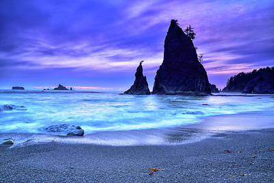 Photograph - Split Rock At Rialto Beach by Spencer McDonald