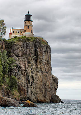 Photograph - Split Rock Lighthouse by Farol Tomson