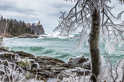 Photograph - Split Rock Lighthouse by Mary Amerman