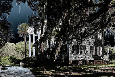 Photograph - Spooky Plantation by Dale Powell