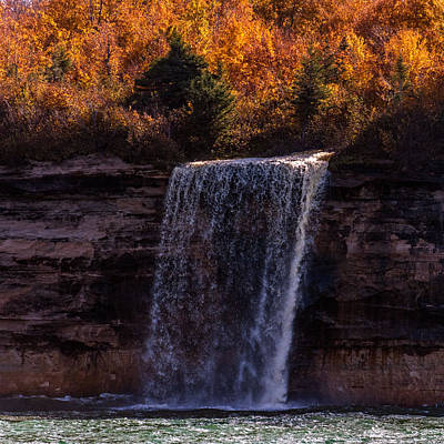 Photograph - Spray Falls by Lonnie Paulson