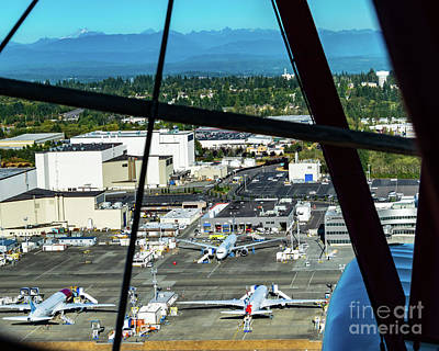 Zen Garden - Spying Boeing 787s Being Finished From A New Standard D-25 by Joe Kunzler
