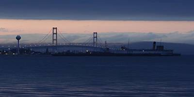 Ss Keewatin And Mackinac Bridge Art Print