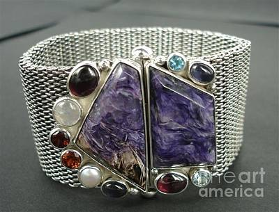 Box V-chain Jewelry - Ss Mesh Chain Bracelet With Semi Precious Stones With Bayonet Clasp by fmnjewel - Fernando Situmeang