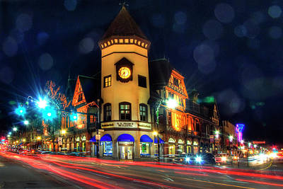 Photograph - S.s. Pierce Building - Coolidge Corner by Joann Vitali