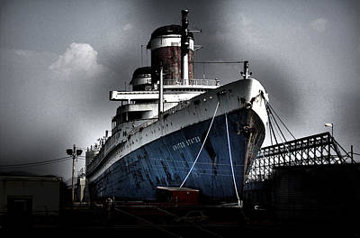 Liner Digital Art - Ss United States by Wayne Higgs
