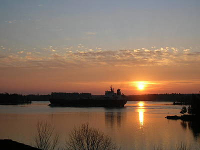 1000 Islands Wall Art - Photograph - St Lawrence River Sunrise 9 by Robert P Hedden