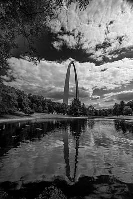 Photograph - St. Louis Gateway Arch Bnw Reflection 9599 by David Haskett