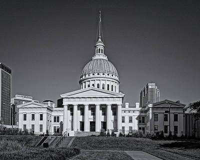 Photograph - St Louis Old Courthouse Dsc01056--bnw by Greg Kluempers