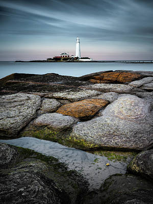 St Mary Photograph - St Mary's Lighthouse by Dave Bowman