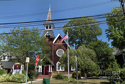 Photograph - St Pauls Episcopal Church Patchogue by Steven Spak