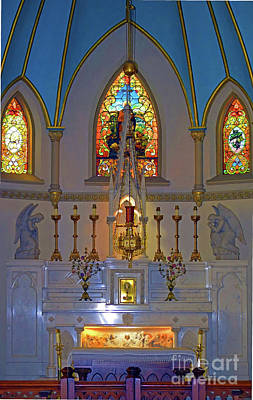 Photograph - St. Peter's Altar by Patti Whitten