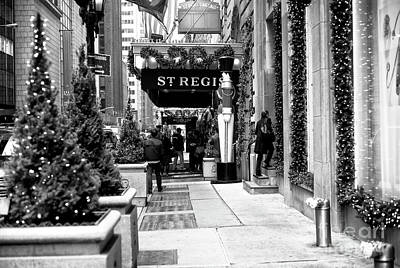 Photograph - St. Regis Christmas Cab Call by John Rizzuto