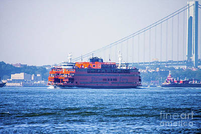 Ferry In New York Photograph - Stanton Island Ferry by William Rogers