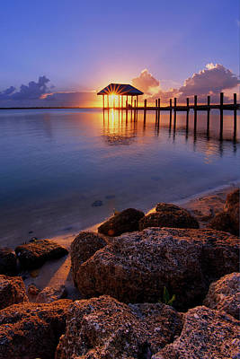 Starburst Sunset Over House Of Refuge Pier In Hutchinson Island At Jensen Beach, Fla Art Print