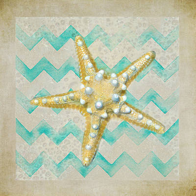 Starfish In Modern Waves Art Print