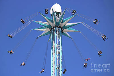 Photograph - Starflyer London by Julia Gavin