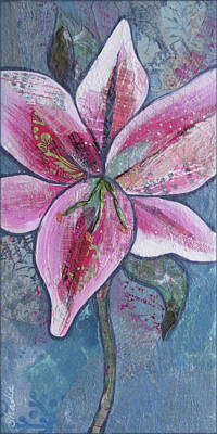 Lilies Paintings - Stargazer II by Shadia Derbyshire