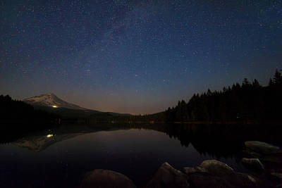 Photograph - Stargazing At Trillium Lake by David Gn