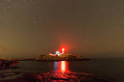 Starry Sky Ove Nubble Light Cape Neddick York Me Red Light Art Print by Toby McGuire