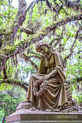 Photograph - Statue In Cemetery Of Garde3n Of Good And Evil 7508vt by Doug Berry