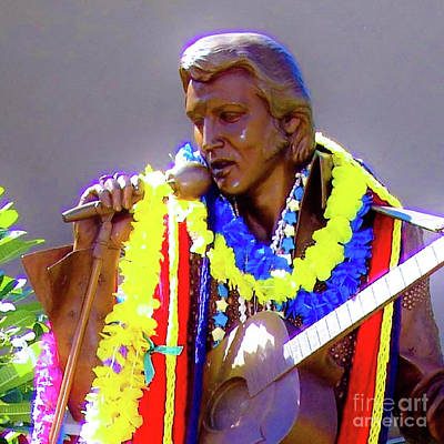 Photograph - Statue Of, Elvis Presley - Honolulu, Hawaii - 565 C by D Davila