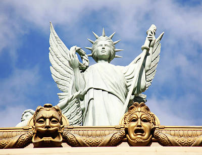 Photograph - Statue Of Liberty At Paris Hotel In Vegas by Marilyn Hunt