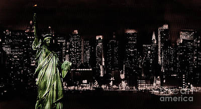 Usa Flag Painting - Statue Of Liberty  by Gull G