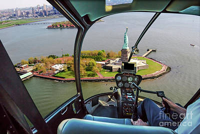 Statue Of Liberty Helicopter Art Print