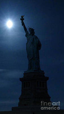 Statue Of Liberty At Night Photograph - Statue Of Liberty by James Johnson