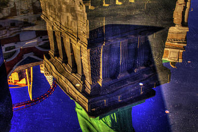 Photograph - Statue Of Liberty Las Vegas Reflections by Roger Passman