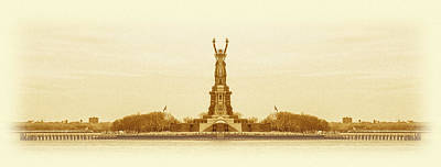 Surrealism Digital Art Rights Managed Images - Statue of Liberty Old Yellow Reflection Royalty-Free Image by Pelo Blanco Photo