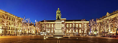 Photograph - Statue Of William Of Orange On The Plein - The Hague by Barry O Carroll
