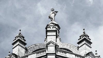 Photograph - Statue On Top Of The Victoria And Albert Museum London by Jacek Wojnarowski