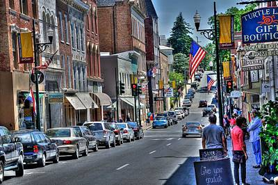 Stop Light Photograph - Staunton Down Town by Todd Hostetter
