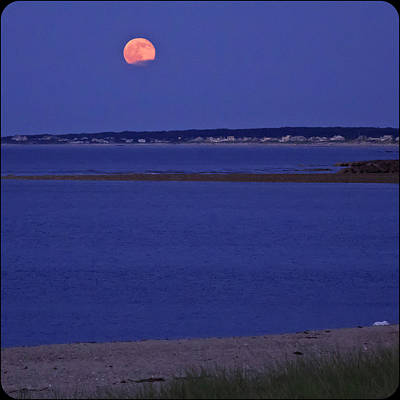 Photograph - Stawberry Moon by Frank Winters