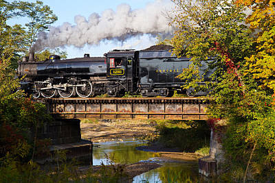 Steam Power In The Valley Art Print