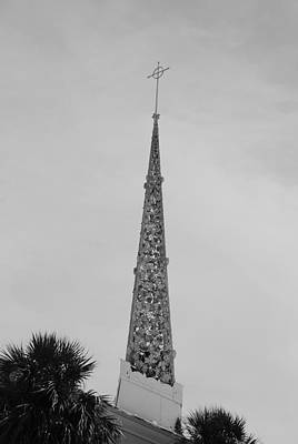 Photograph - Steeple Cross In Black And White by Rob Hans