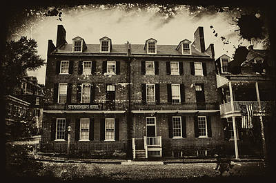 Stephenson's Hotel - Harpers Ferry Print by Bill Cannon