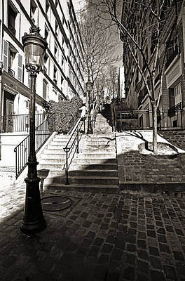 Steps In Montmartre Art Print by Gerry Walden