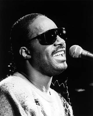 Photograph - Stevie Wonder 1986 by Chris Walter