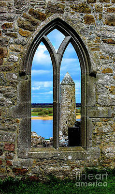 Wall Art - Photograph - Stone Archway by Elaine J Hoffman
