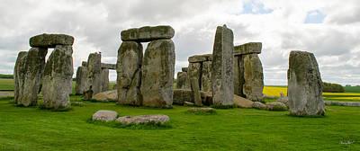 Photograph - Stonehenge England by Shanna Hyatt