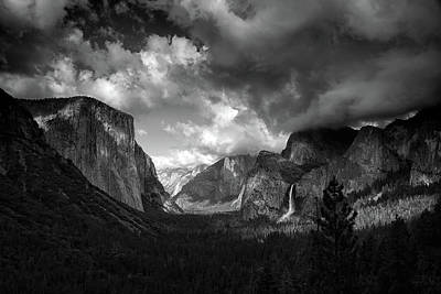 Storm Arrives In The Yosemite Valley Art Print